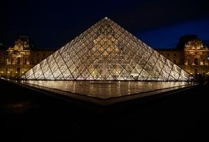 piramide-louvre